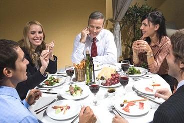 collègues au restaurant