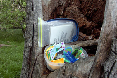 tupperware geocache